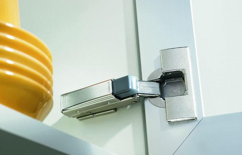 Доводчик для кухонного шкафа