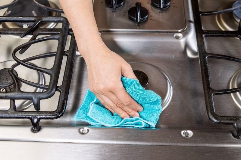 чистка варочной поверхности газовой плиты