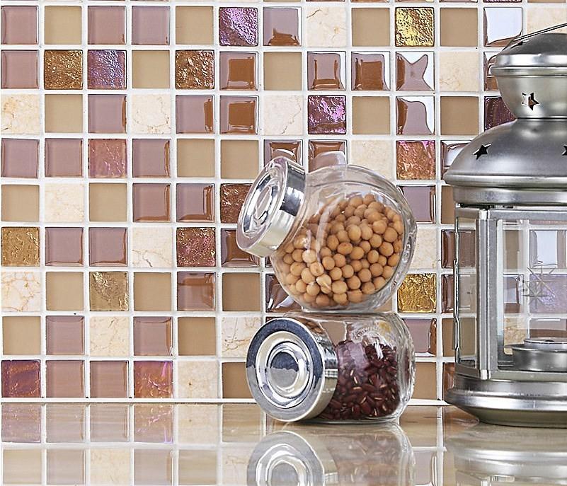 стеклянная плитка на кухне