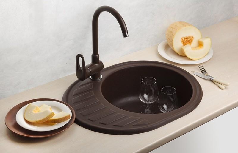 Мойка из композитных материалов круглой формы черная