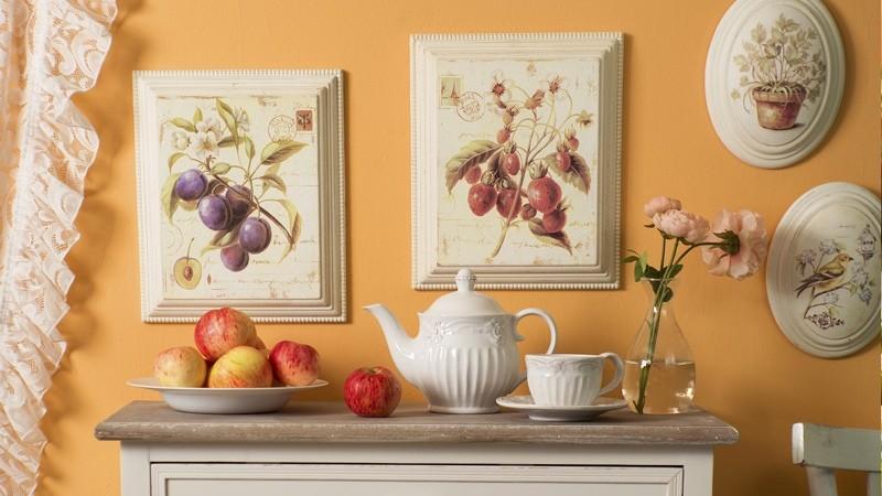 Тарелка с фруктами в интерьере