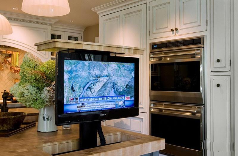 Телевизор спрятан в мебель