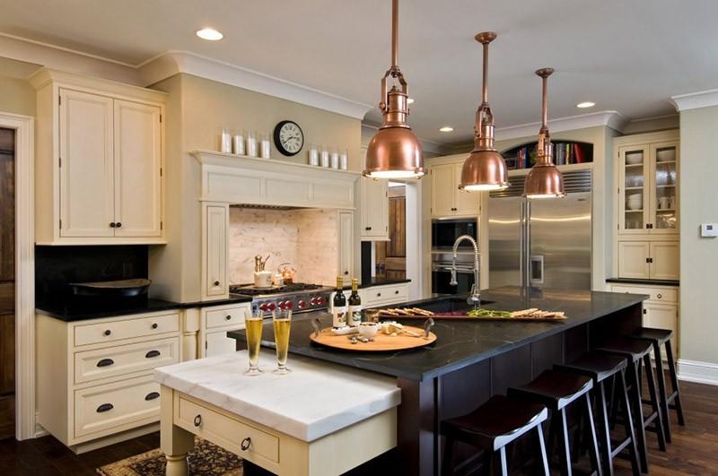 Часы на кухне с индустриальным дизайном