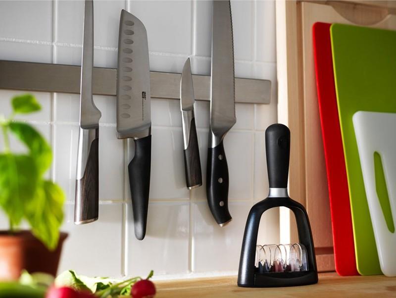 Хранение ножей на магнитном держателе