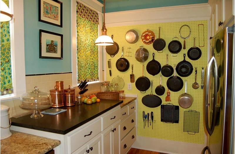 Хранение кухонной утвари на стене