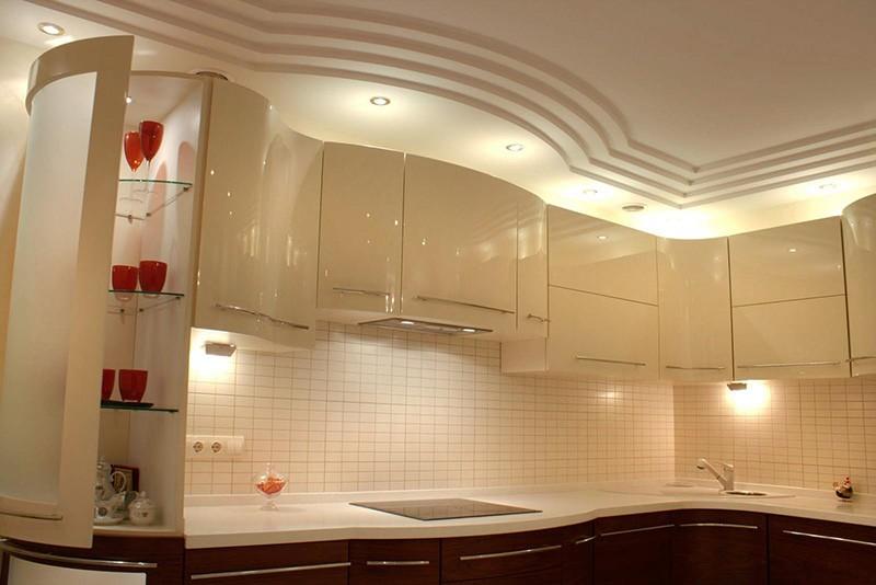 Многоуровневый потолок из гипсокартона на кухне