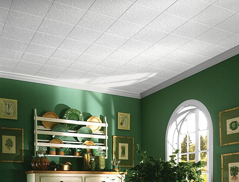 Вариант отделки потолка на кухне полистирольной плиткой