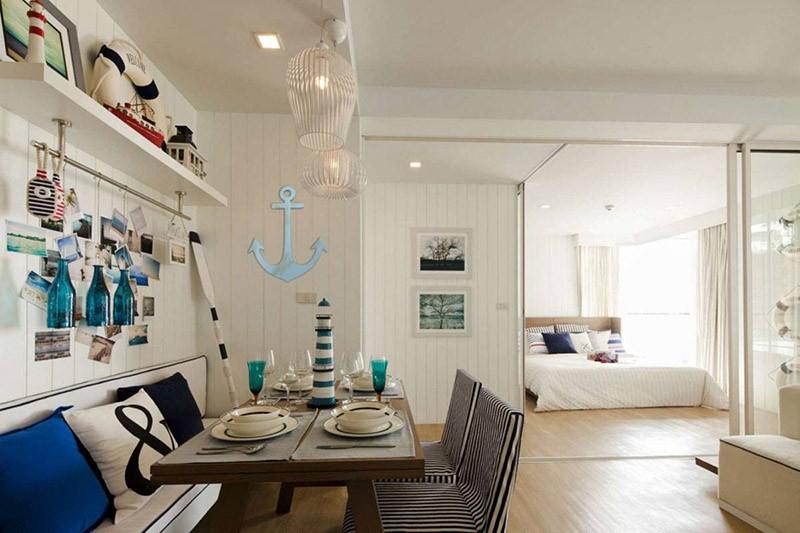 Кухня с разными элементами морской темы