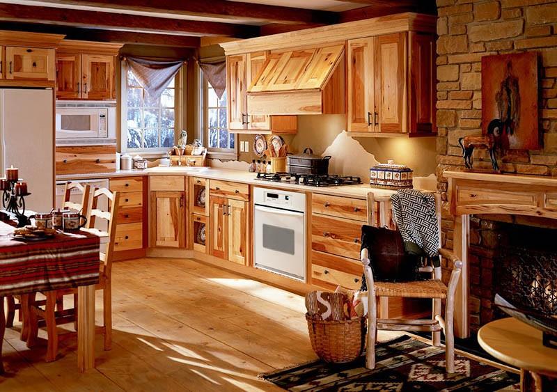 Кухня из дерева с покрытием прозрачным матовым лаком