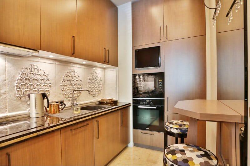 Кухонный гарнитур из мебельных щитов из бука
