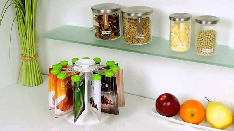 Подставка-карусель для мягких упаковок специй с крышками-дозаторами