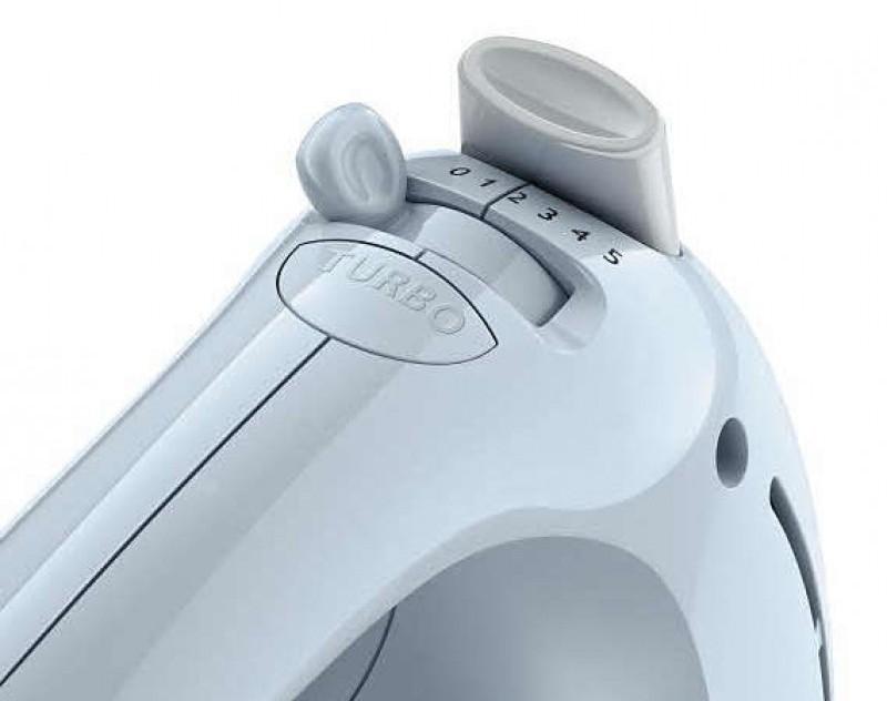 Кнопка турборежима на корпусе миксера