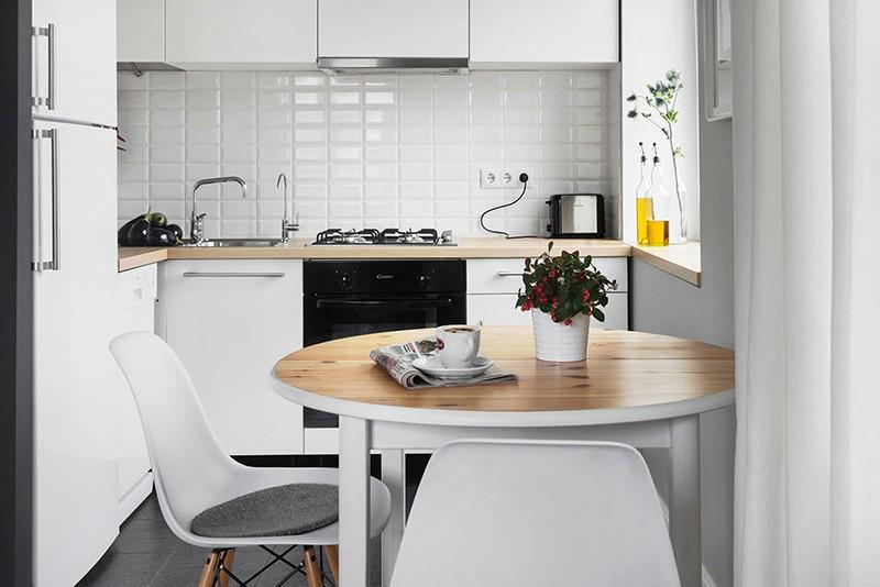 Малогабаритная кухня в белом цвете