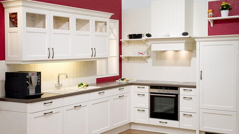 Окрашенные стены на кухне