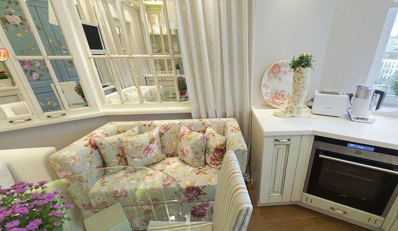 Стиль прованс с диваном в нежных розово-салатовых тонах