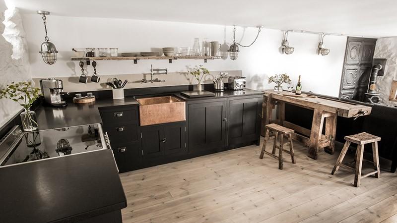 Черная мебель и стиль индастриал