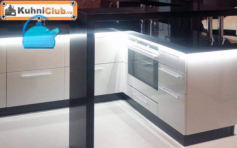 Классическая-подсветка-кухонного-гарнитура
