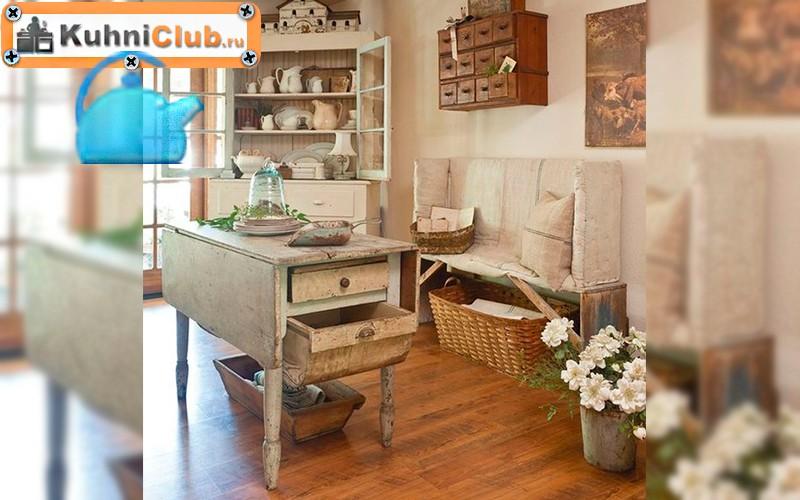 Деревянная-скамья-в-кухне-стиля-шебби