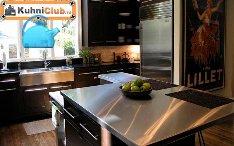 Кухня-со-столешницей-из-нержавеющей-стали