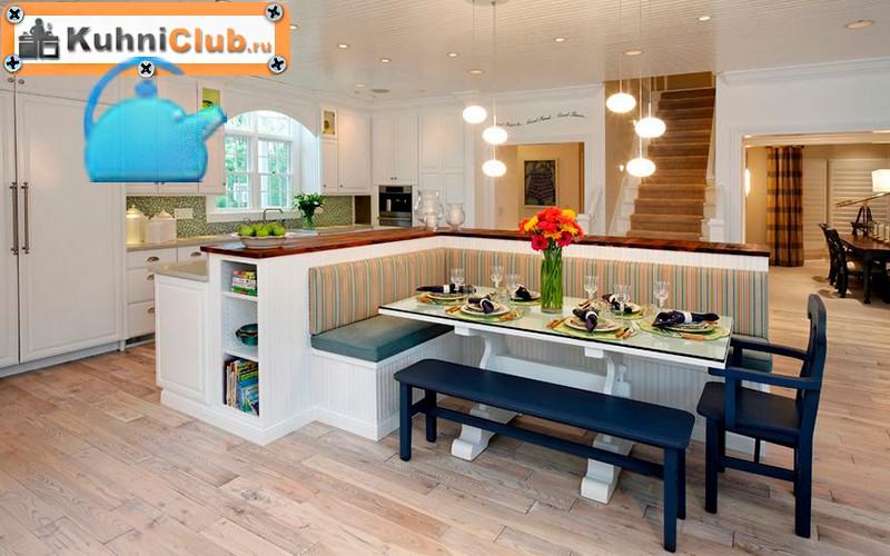 Угловая-скамья-в-просторной-кухне