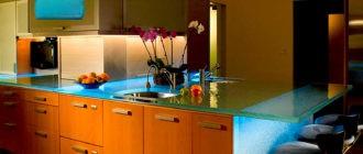 Стеклянная-столешница-для-кухни