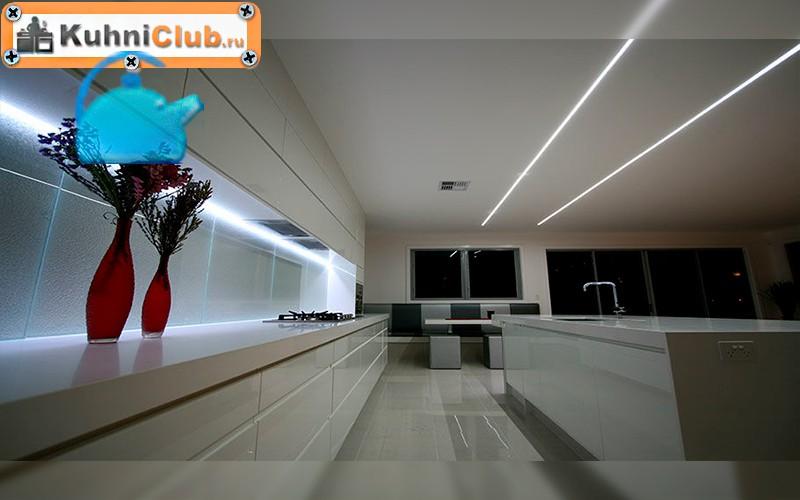 Светодиодное-освещение-на-кухне-с-низким-потолком-2
