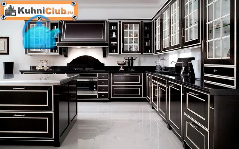7-Светлый-потолок-в-темной-кухне
