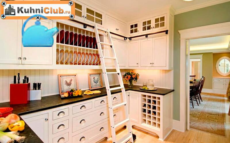 Использование-лестницы-в-кухне-с-трехуровневым-гарнитуром