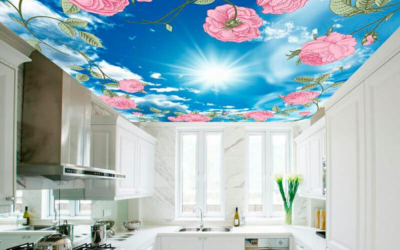 Потолок-на-кухне-с-фотопечатью